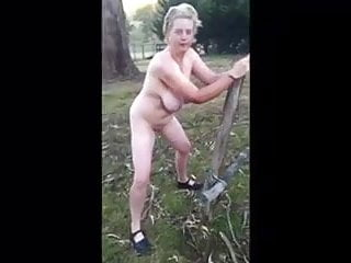 Free videos of boys pissing outside - Jacqueline thorn aus pissing outside