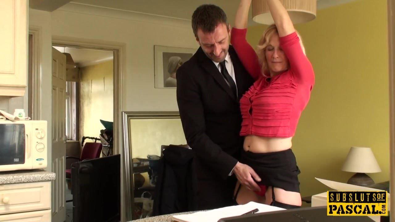 174186 Porn bdsm milf brit instructed to ridemaledom