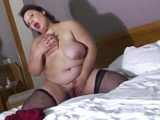 Plumpers mature xxx Plumper mature in bed