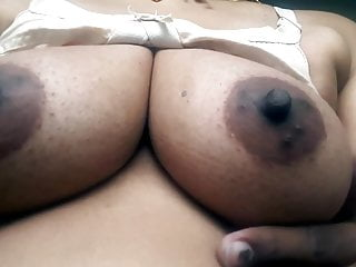 Nisha kothari boob show - Desi hot beautiful bhabhi boob show