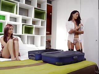 Vintage console magnavox Alexa tomas consoles her girlfriend lea guerlin