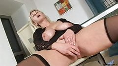 Huge tits on horny cougar Kimi