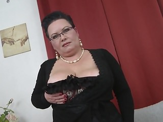 Mature mom young son Mature bbw mom licked and fucked by young son