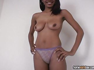 Ebony girl on girl porn Handjob from ebony amateur girl in hot amateur porn 1