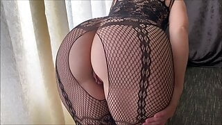 Booty MILF Ardentina stretches her tight holes and cums