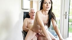 Old Doctor Prescribes Facial to Horny Babe