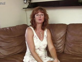Yummy xxx videos Gorgeous mature mom with yummy pussy