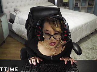 Asian gay streaming Fail gamer chick accidentally streams a fuck and facial