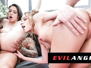 Anna De Ville behandelt DP mit Monsterschwänzen in einem Gangbang