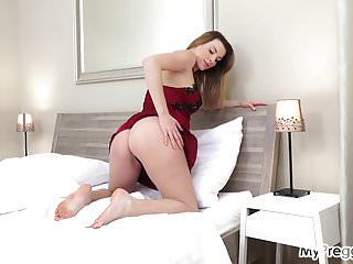 Pregnant girls fucking cocks video - Pregnant victoria fucks herself with a vibrator