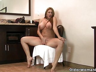 Sheila marie live streaming porn An older woman means fun part 192