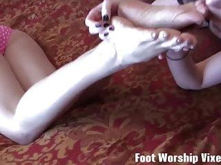 Youtube sexy foot women worship 02 Cat and piper love worshiping womens feet