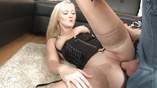 Super Poschi - Bella Blond 2