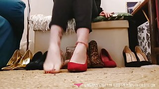 Vends-ta-culotte - French Babe Foot Fetish - High Heels