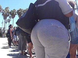 Big ole fat ass Bbw ebony got a big ole butt