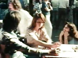 Sex in cafes Cafe de paris