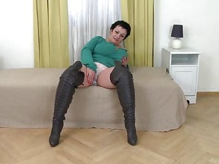 Women leather boots bondage Big busty mom in leather boots fucks her pussy