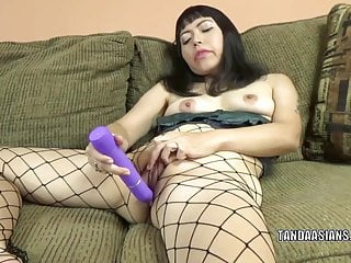 Hot to make a homemade dildo - Asian hottie yuka ozaki uses a dildo to make herself cum