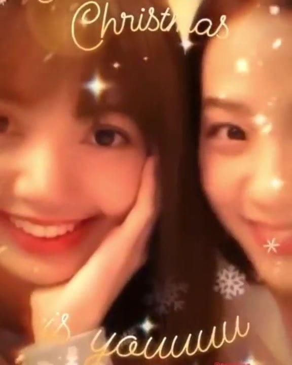 Korean celeb lisa and jisoo
