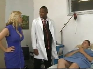 Doctor checks patients anus Sarah vandella goes to the doctor for a check-up