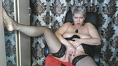 Milf Aimee: Wife, Mom & Gorgeous Slut .!. )))