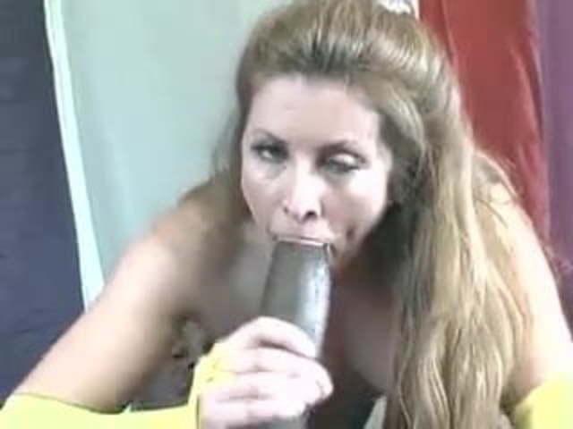 Pinky Sucking Black Dick