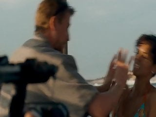 Halle berry erotic scenes - Halle berry - dark tide