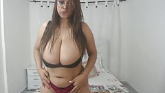 Thick Latina BBW Big Natural Tits v.1