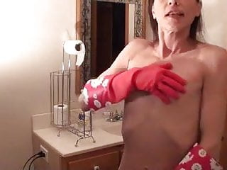 Naked bathing moms Butt naked skinny lady with big nipples cleaning bath tub