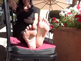Amateur fetish model - Bare foot amateur foot model sf