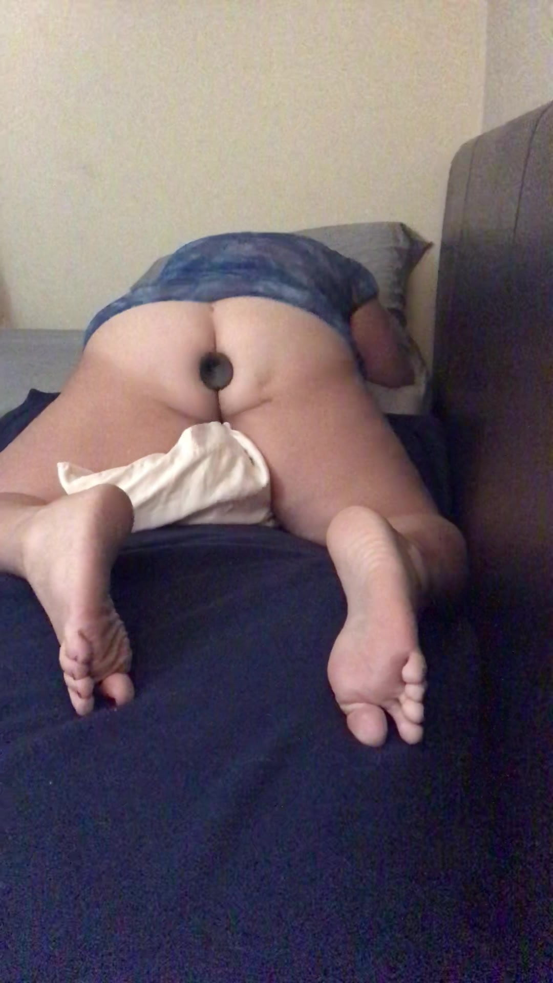 Chubby Teen Pillow Humping
