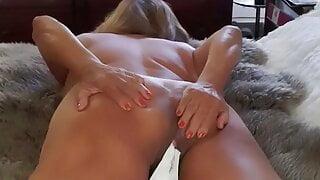 Orgasming in my granny panties. Mature bbw Latina woman
