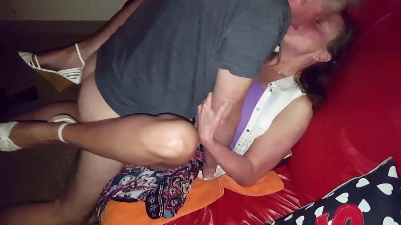Amateur Wife Sharing Friend