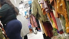 Black BBW Shopping