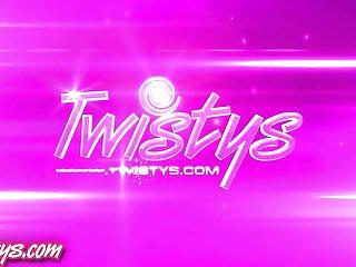 Brett favre ass Twisyts - brett rossi and krystal shay
