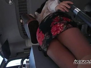 Suck in stomach - Mature cougar suck in a middle of the afternoon on bus