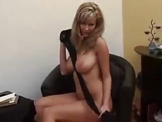 Putting on pantyhose movie female Busty milf puts on pantyhose