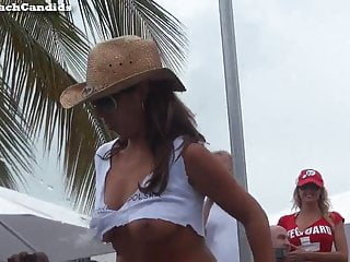 Naked wet cunts Latina milf naked wet t-shirt contest