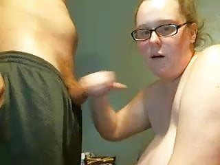 Naked girl sucking dick Countrybabee9109 - bbw girl sucking dick on webcam