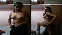 Indian desi girl making her nude video for lover