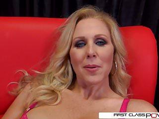 Blonde pro deepthroats dick - Julia ann is one well seasoned dick sucking pro
