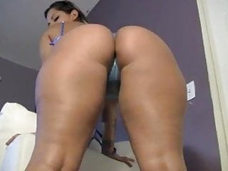 Toying girls ass Big booty latina shakes ass toys on cam