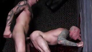 Gloryhole Cruising at The Sex Club