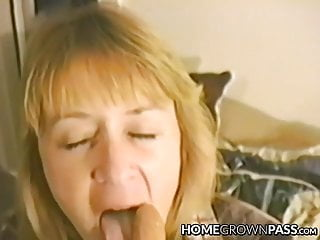 Lusty hairy mature Lusty bimbo masturbates before taking it up her hairy hole