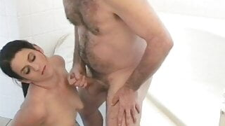 Juicy brunette girl and her elder lover do laundry in bath