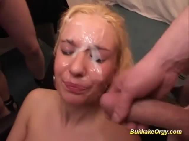 Facials and bukkakes on german babes