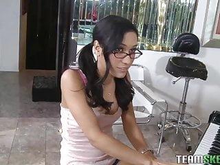 Petit latina teen porn videos Exxxtrasmall petite latina teen tia cyrus tight pussy hardco