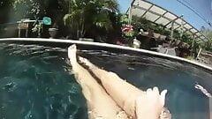 bella roxxx underwater
