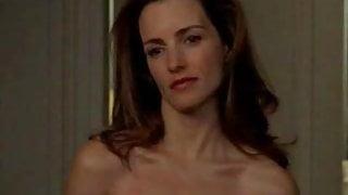 Kristin Davis Gets Naked