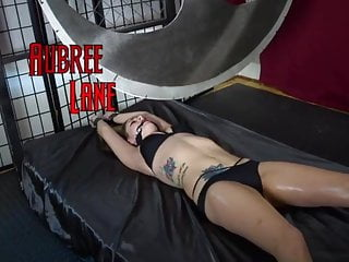 Peril bondage - Aubree lane pendulum peril